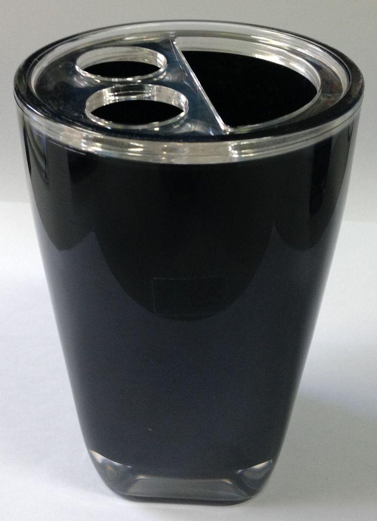 Pinsel Tasse auf schwarz